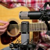 Max Morton testing Telefunken microphones (AK-47 MKII, AR-51)